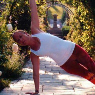Jenny Bergold in a yoga pose